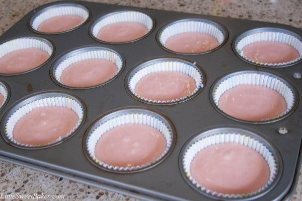 pink velvet cupcakes-1