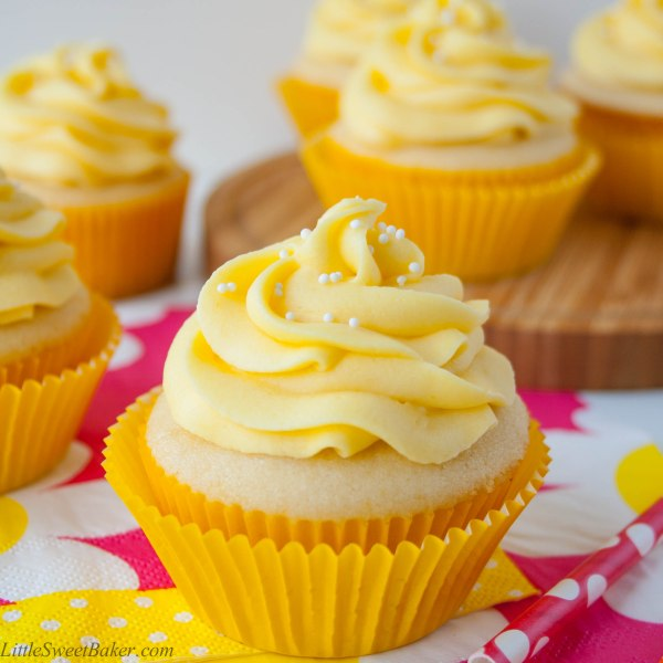 tropical mango vanilla cupcakes-5